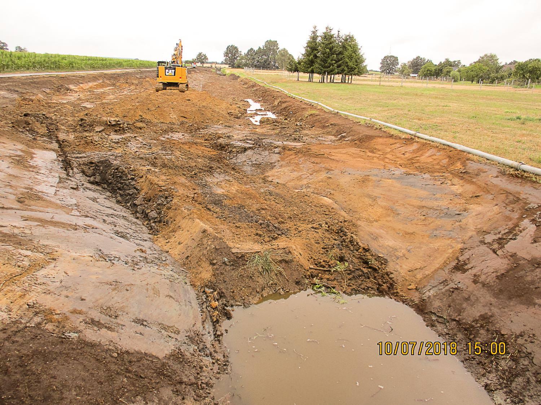 Bild 9 | Renaturierung Breiter Graben - Grabenverfüllung vor der Profilierung