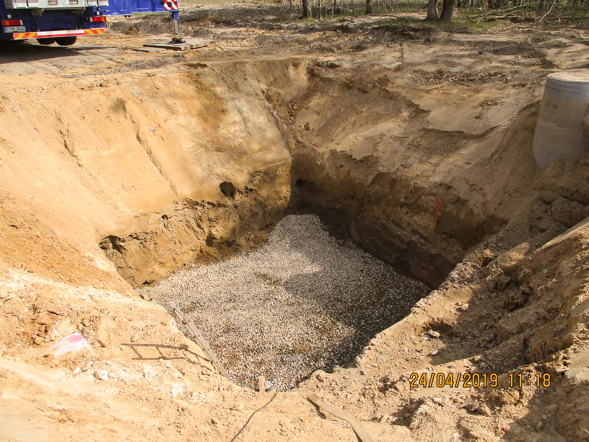 Bild 3 - Erstellung der Grube für den Sandfang